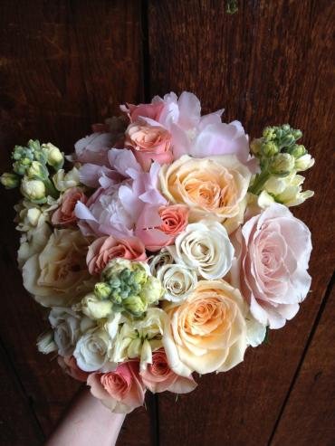 Peach and Cream Bouquet