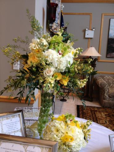 High and Low Centerpiece / Yellows